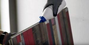 Elementy na pióro i wpust są zabezpieczone wodoodpornym PVA D3, aby chronić połączenia.